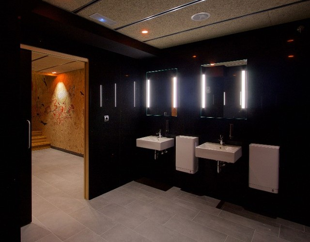 Commercial bathroom design in Baltimore, MD.